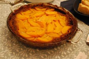 Gluten Free Peach Gingersnap Pie