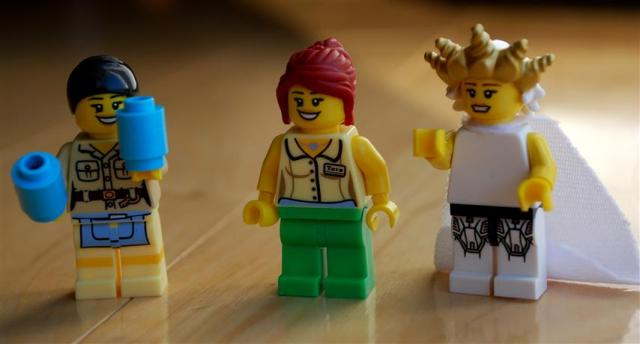 LEGO Jubilee, Rogue, and Storm