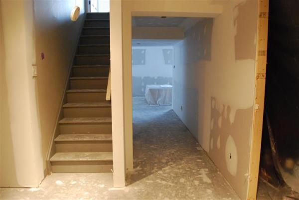 basement stairs2