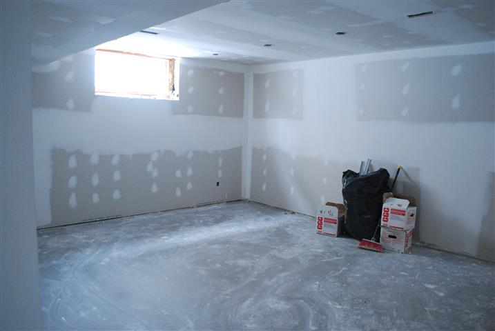 here s the other end of the room which we plan to use for sewing