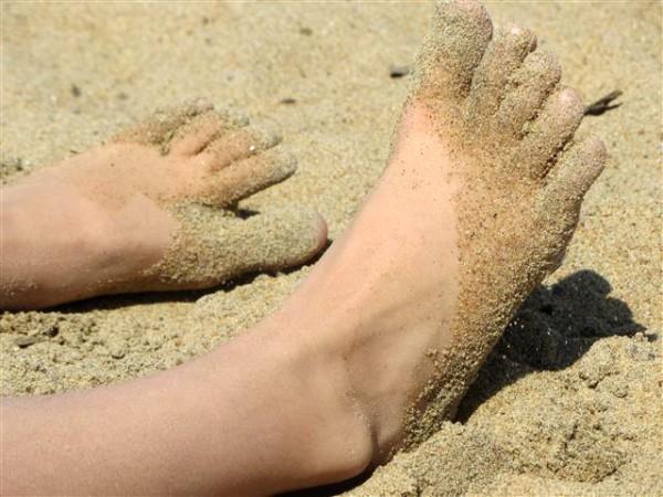 Sandy feet at Petrie Island.