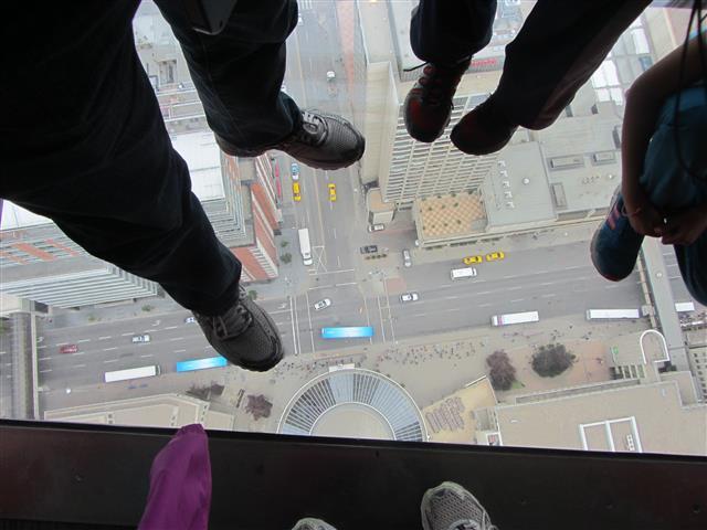 109_FeetOnTheFloor