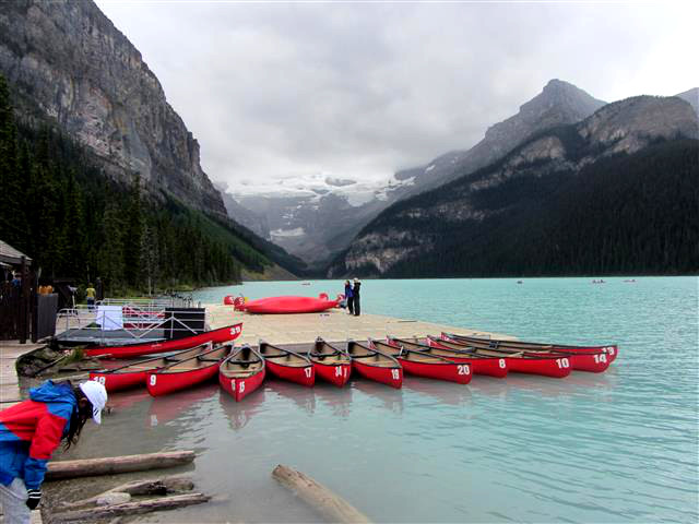 604_BoathouseAtLakeLouise